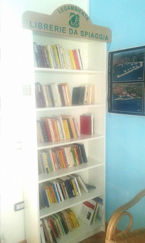libreria_spiaggia.jpg